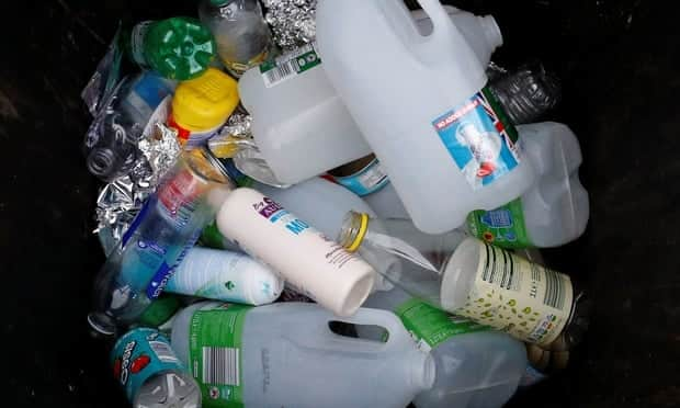 Plastic petrochemicals recycling waste