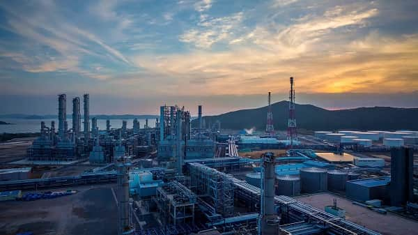 Supply overhang amid weak downstream demand from petrochemical sector in Asia