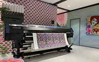Mimaki demonstrates hybrid printer at ITMA 2019