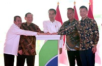 Jokowi Inaugurates Indonesia's Largest Viscose Rayon Facility