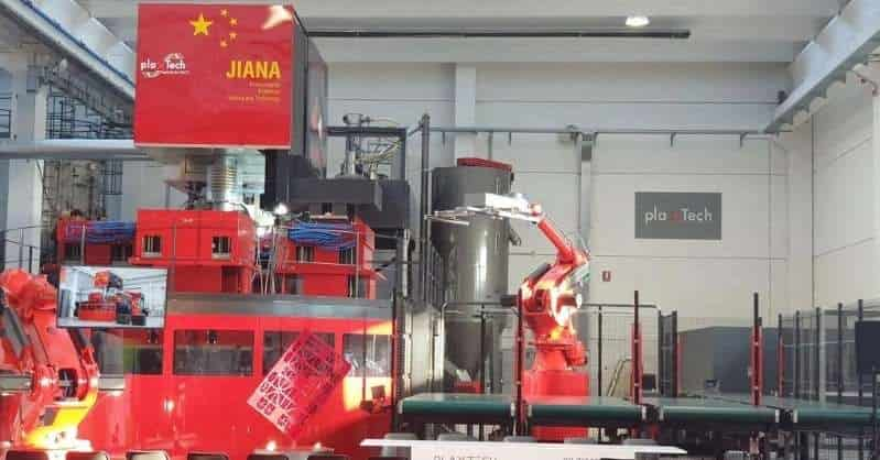 Italy: Udine teaches recycling to China