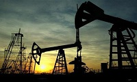 Who won the previous round of the oil price war