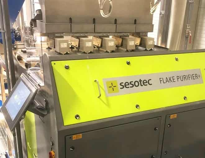 FLAKE PURIFIER+ from Sesotec makes a closed material cycle possible