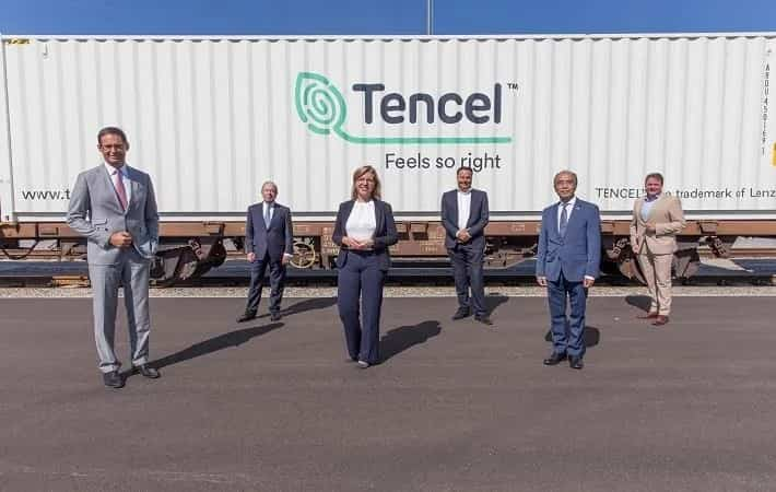 Direct train with Lenzing Tencel fibres arrives in China