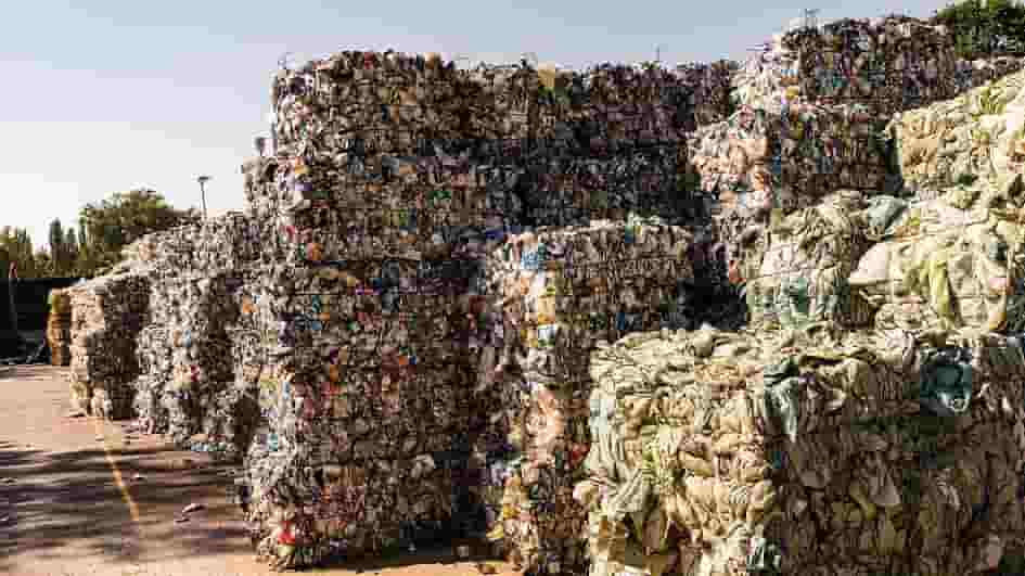 -EU BANS PLASTIC WASTE FROM BEING SHIPPED TO DEVELOPING COUNTRIES