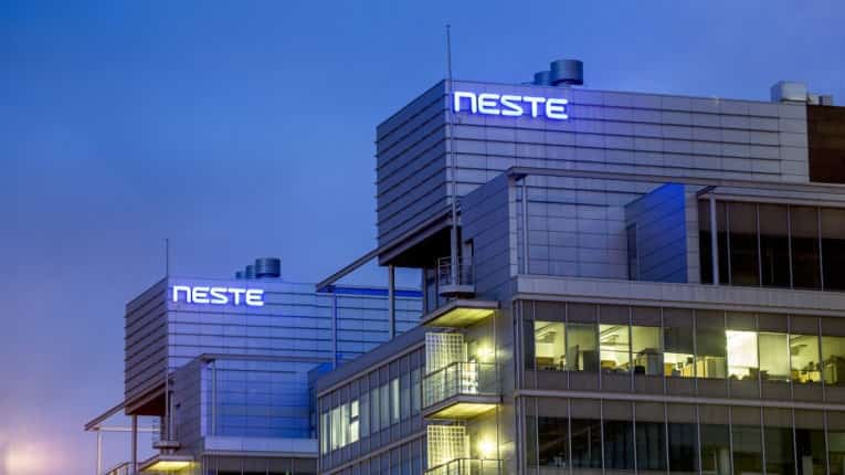 Neste successfully completed its first industrial-scale processing run with liquefied waste plastic in Finland