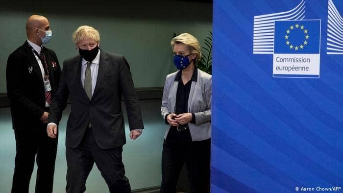 Brexit: EU unveils fresh emergency 'no deal' plans