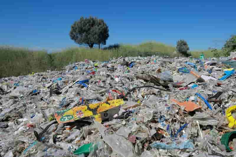 Study reveals link between climate change and microplastic pollution