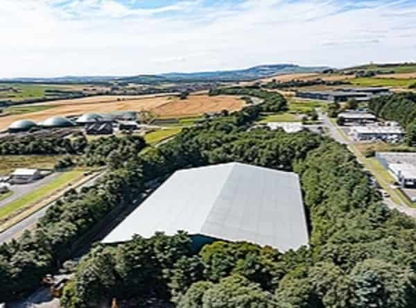 YES RECYCLING -New recycling plant to open in Scotland / Facility to turn waste plastic into plywood alternative